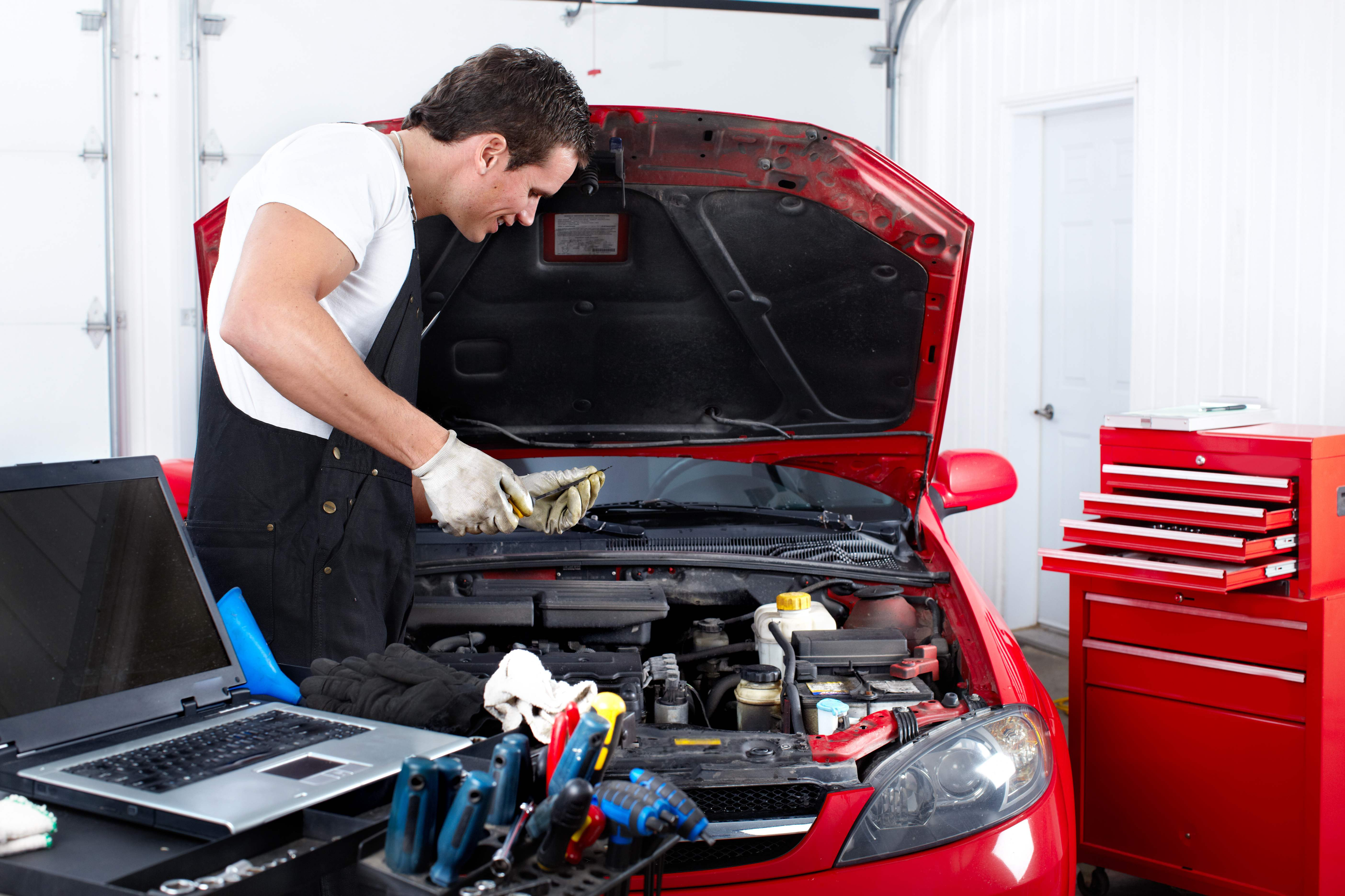 Réduisez vos dépenses en réparant vous même votre automobile