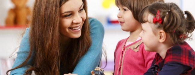 Un salaire moyen en dessous du SMIC pour les assistantes maternelles